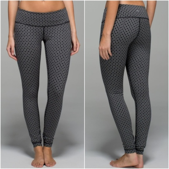 b4358e4a60735c lululemon athletica Pants - Lululemon Wunder Under Tri Geo Silver Spoon  Black